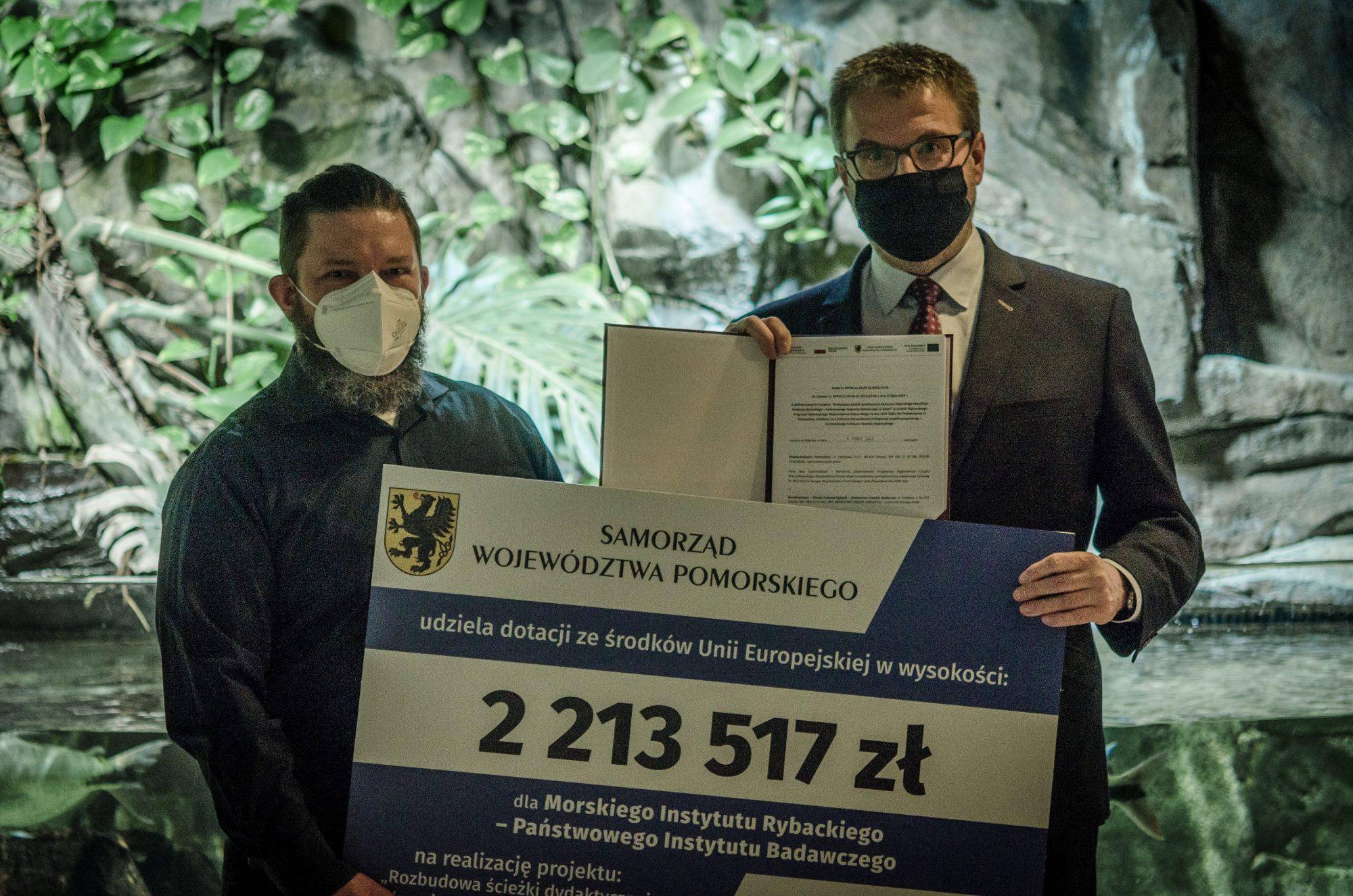 Wizyta wicemarszałka woj. Pomorskiego w Akwarium Gdyńskim. Fot. Weronika Podlesińska